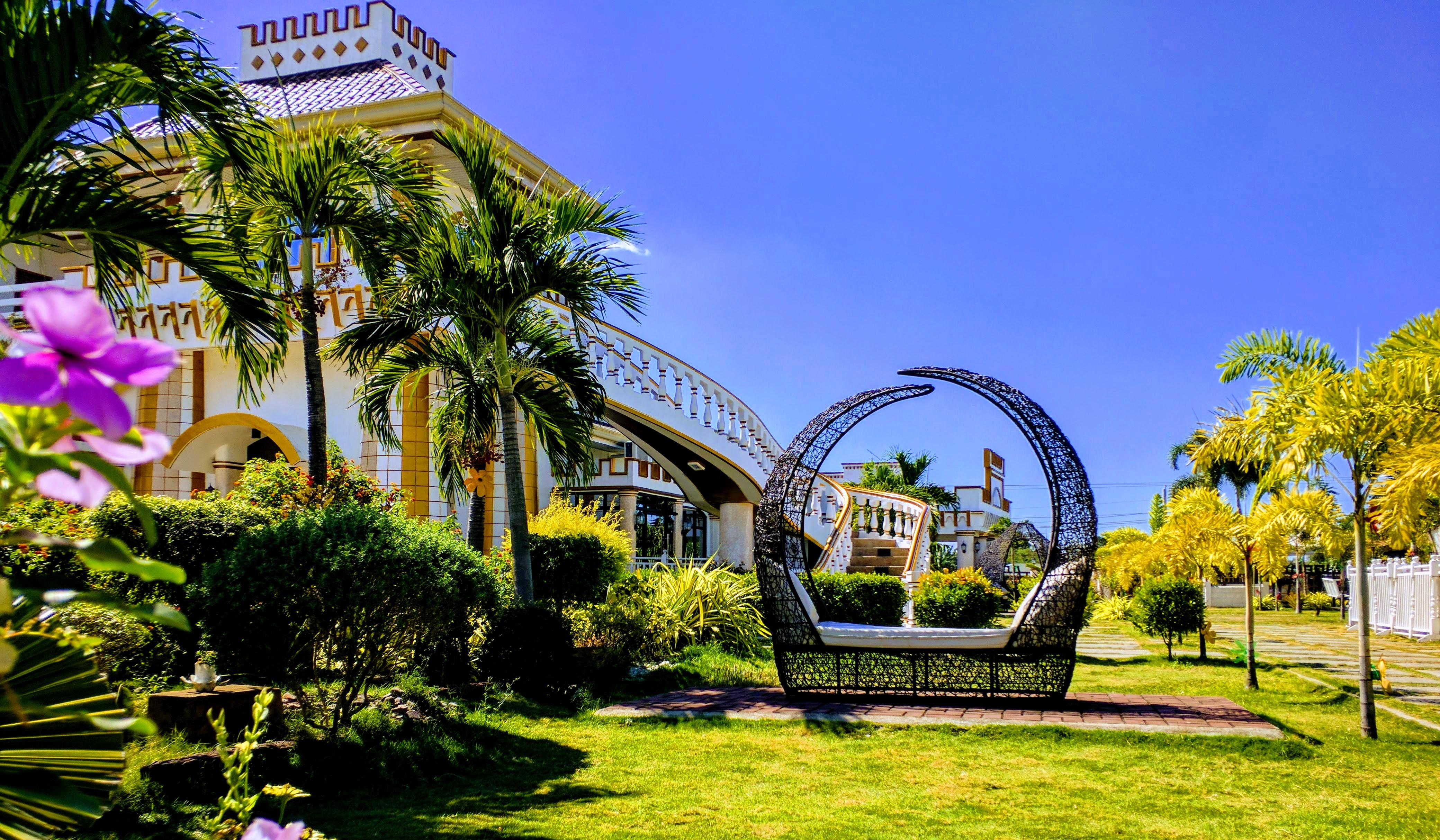 Golden Castle Resort
